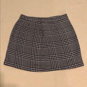 Forever 21 houndstooth mini skirt
